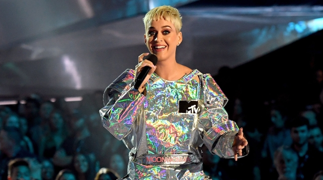 katy-perry-vma-outfits-2